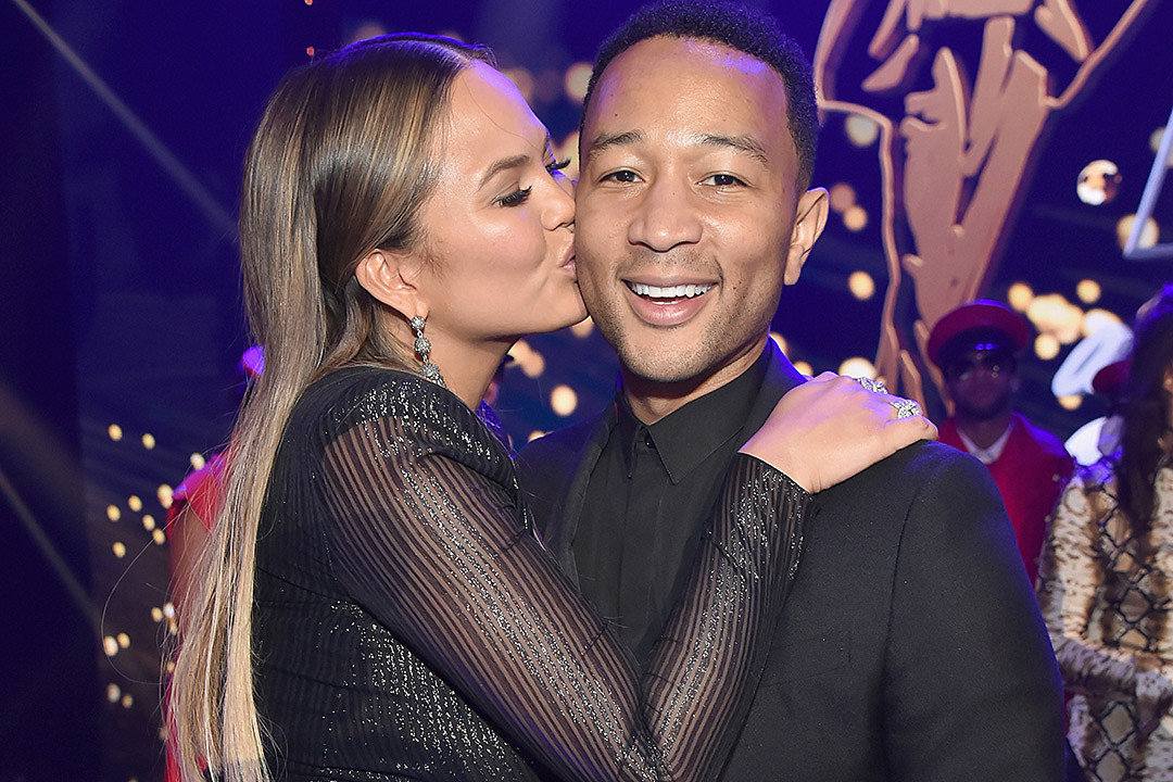 Chrissy Teigen to Solicit Baby Names on Twitter