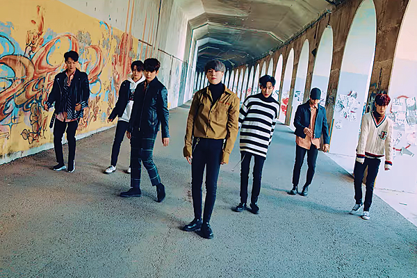 got7 announces 2018 world tour with four dates in north america. Black Bedroom Furniture Sets. Home Design Ideas