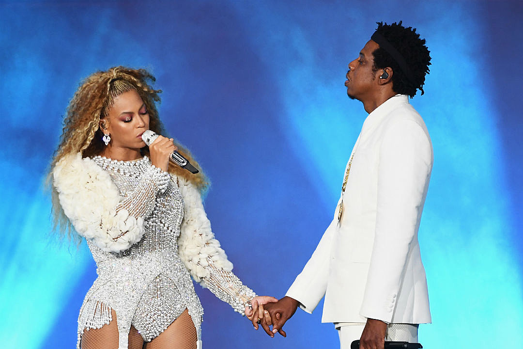 Beyonce + Jay-Z Dedicate Concert to Ailing Aretha Franklin