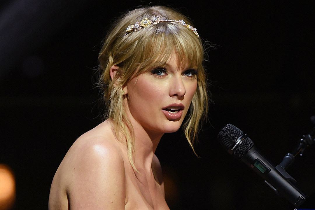 Taylor Swift Declines to Answer Sexist Question About Having Children During Radio Interview