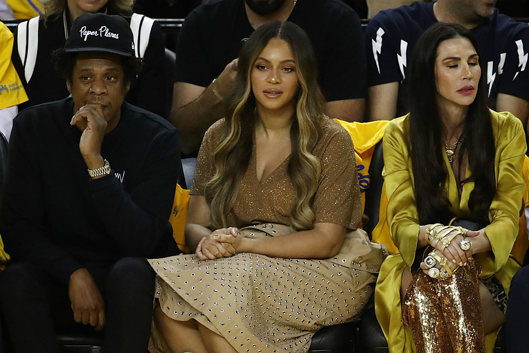 Beyonce's Publicist Asks Fans to Stop 'Spewing Hate' Following Viral Courtside Shade Moment