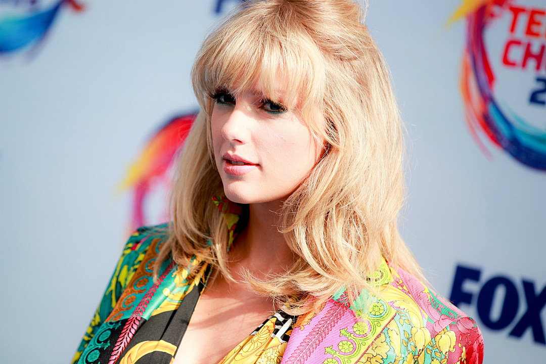 Taylor Swift Announces 'Lover' Album Tracklist