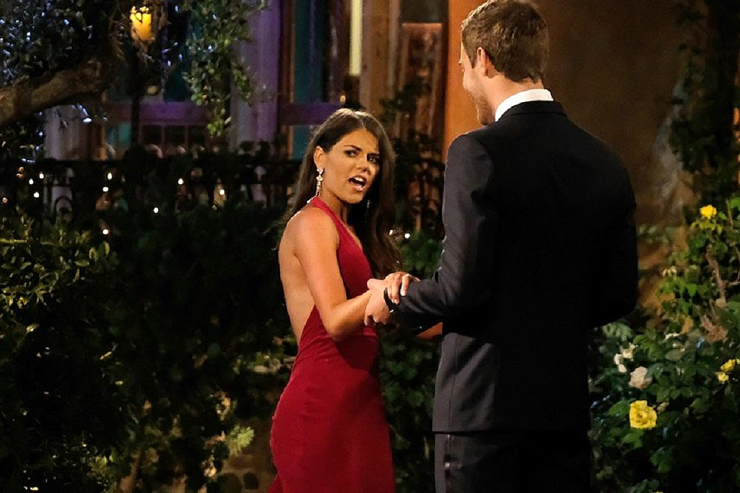 'Bachelor' Contestant Accused of Running Her Own Fan Account
